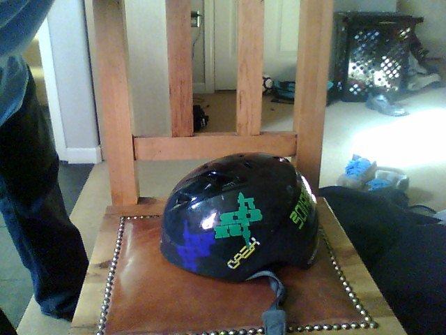 Head helmet