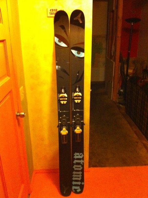 Ski gear - 4 of 12