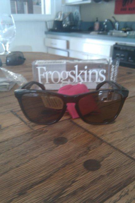 Polarized Frogskins