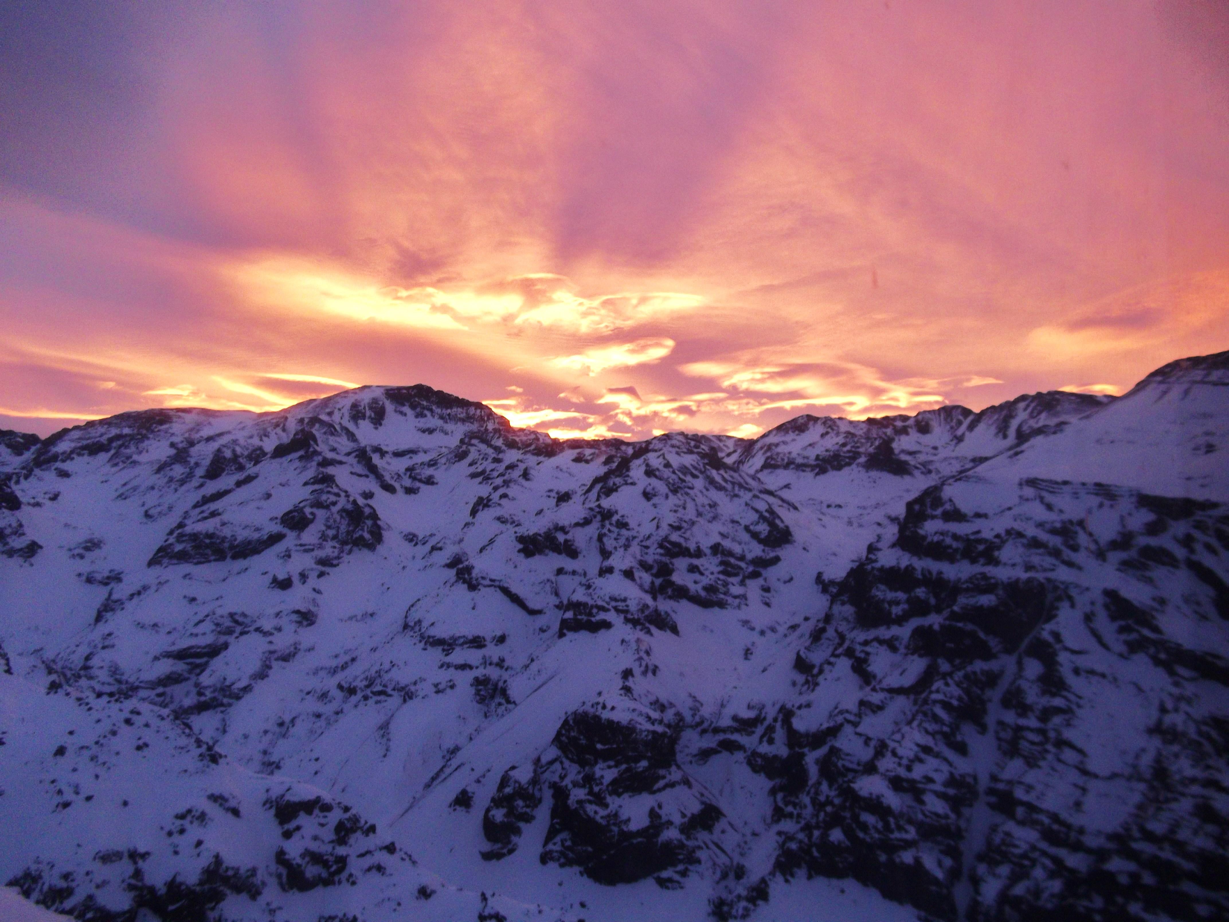 Sunrise in valle nevado