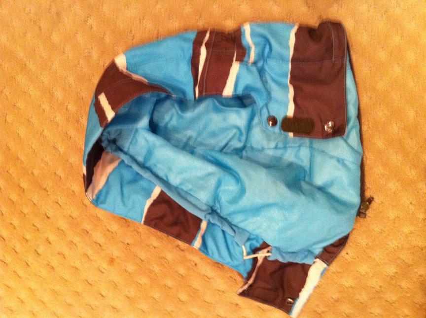 Jacket removable hood