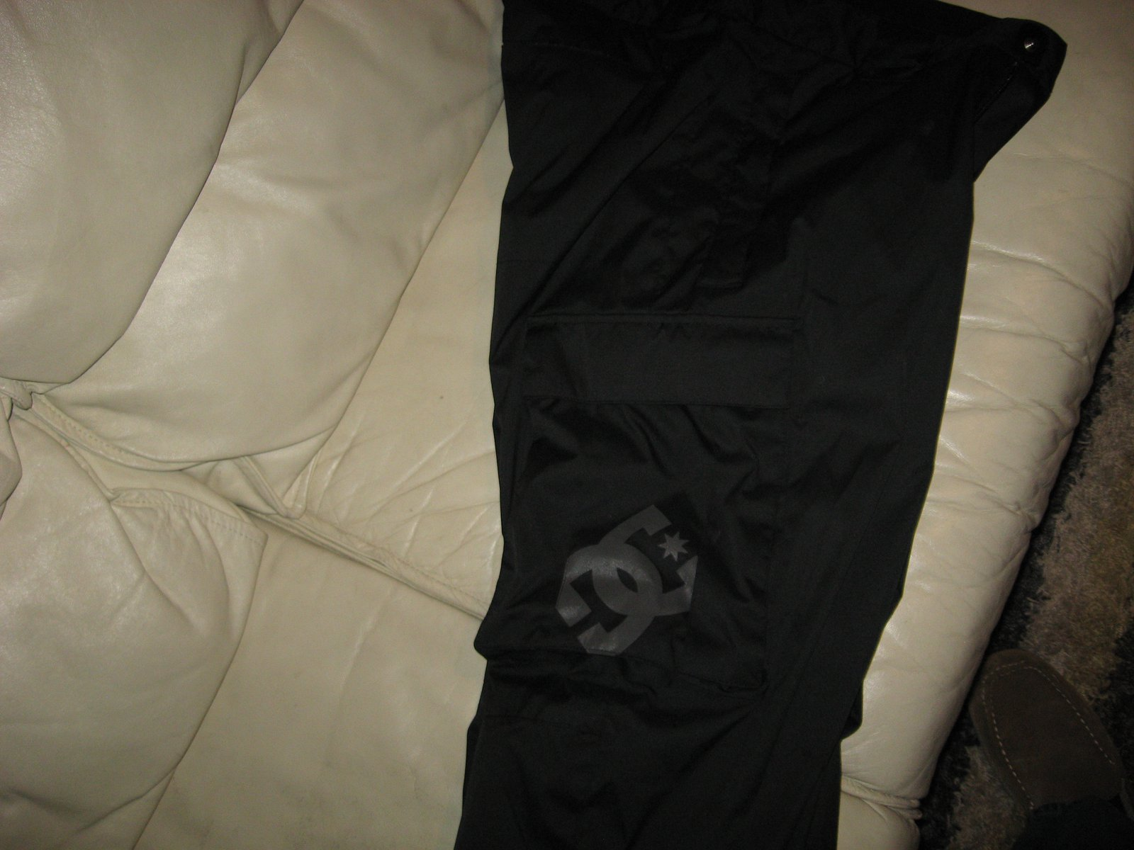 Side of Pant DC Logo on Right Cargo Pocket