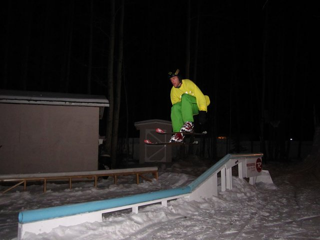 Jumping over the double kink rail