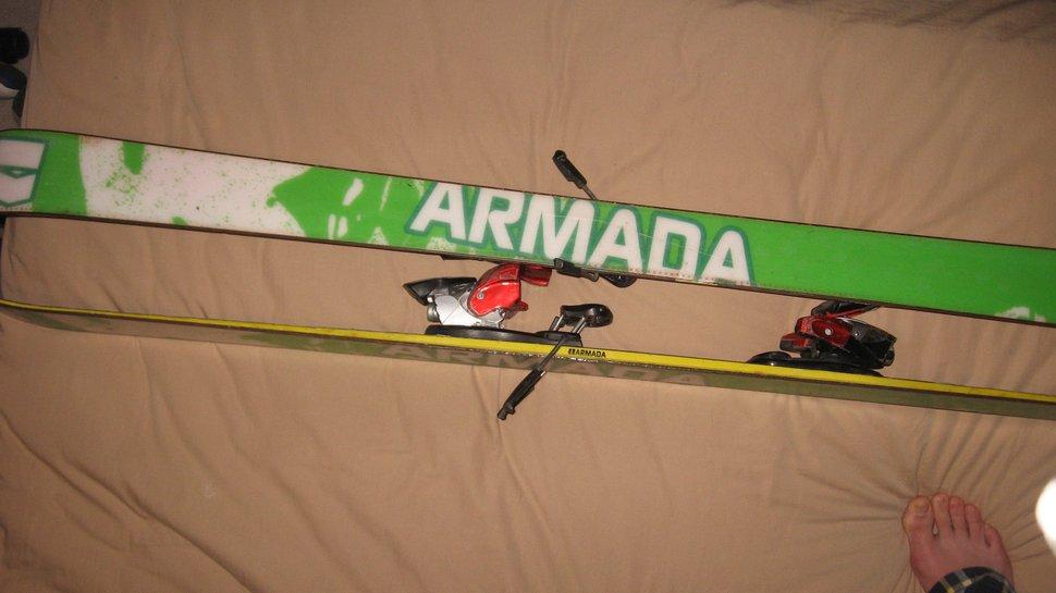 Armada Ar5