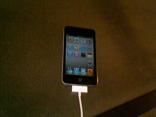 FS: Ipod Touch 3rd Generation used 32 gig