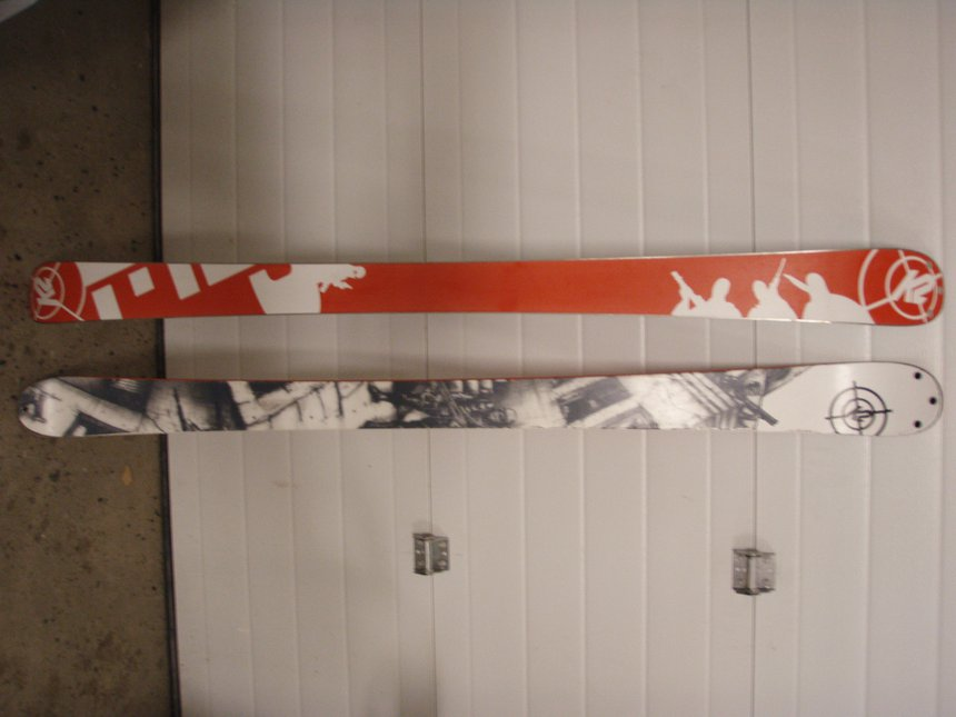 K2 PUBLIC ENEMY TWIN TIP SKIS 163 CM.