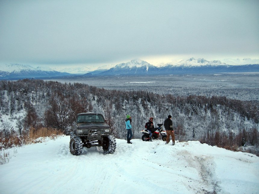 Snowy Off-roading