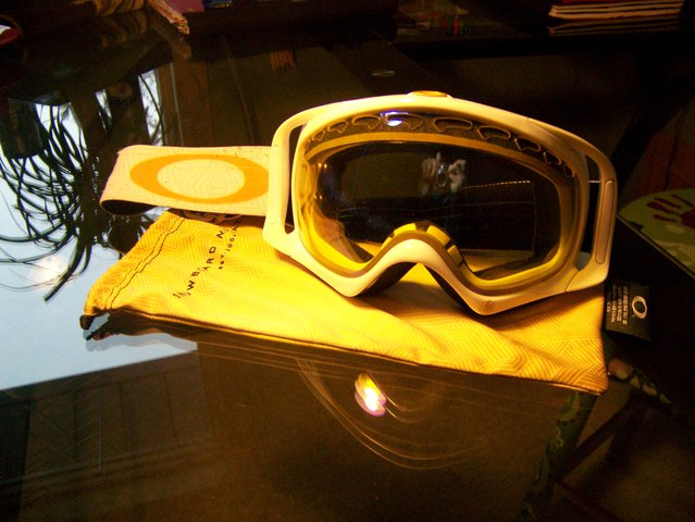 Oakley Limited Edition Crowbars/ High Yellow Lense