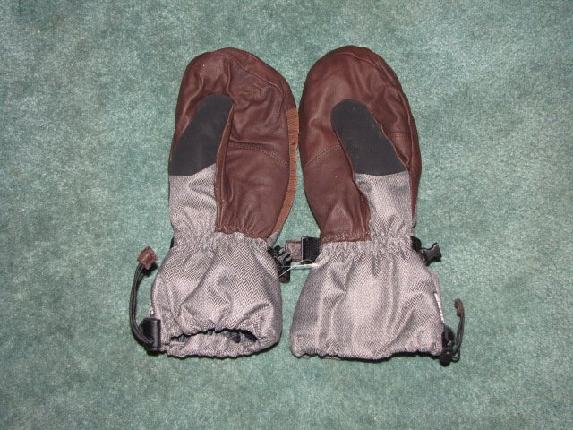 NEW Dakine Mitts for sale!