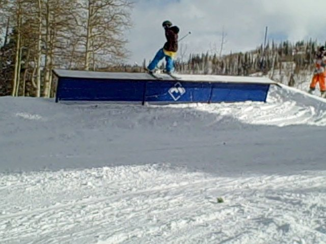 Unatural rail slide!!