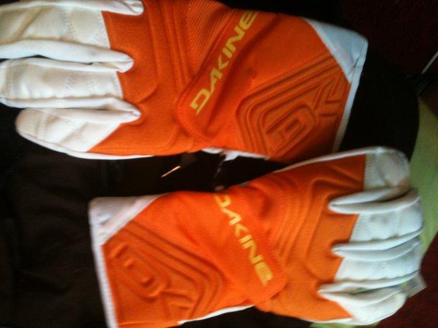FS med dakine gloves