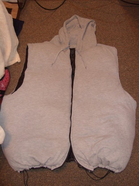 Thermal feeling side of reversible 5xl puffy vest