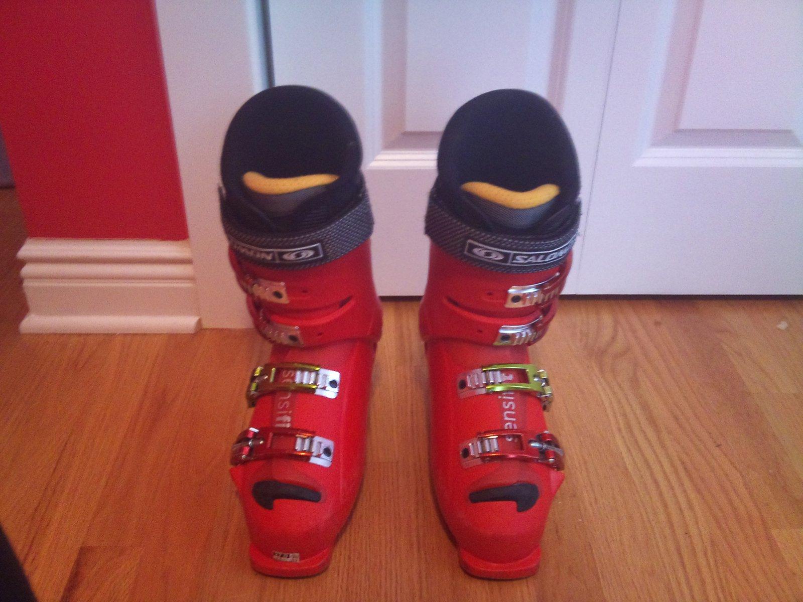 Salomon X wave 10 ski boots size 9