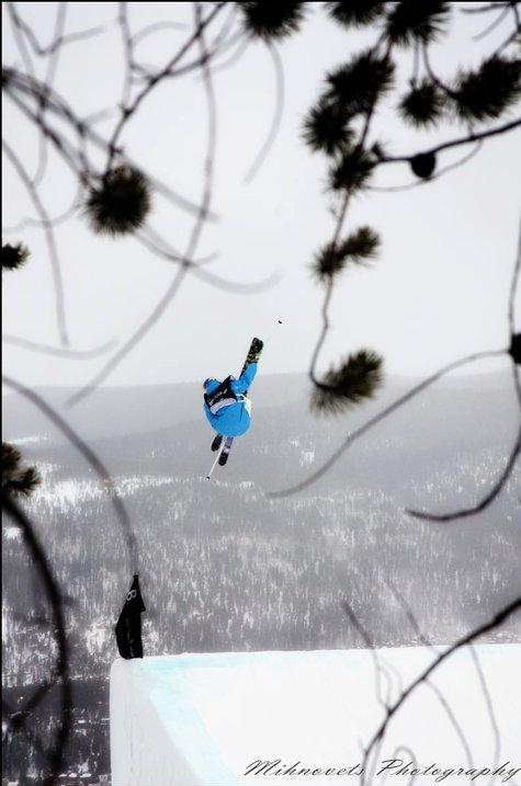 Dew Tour... Atomic Skier