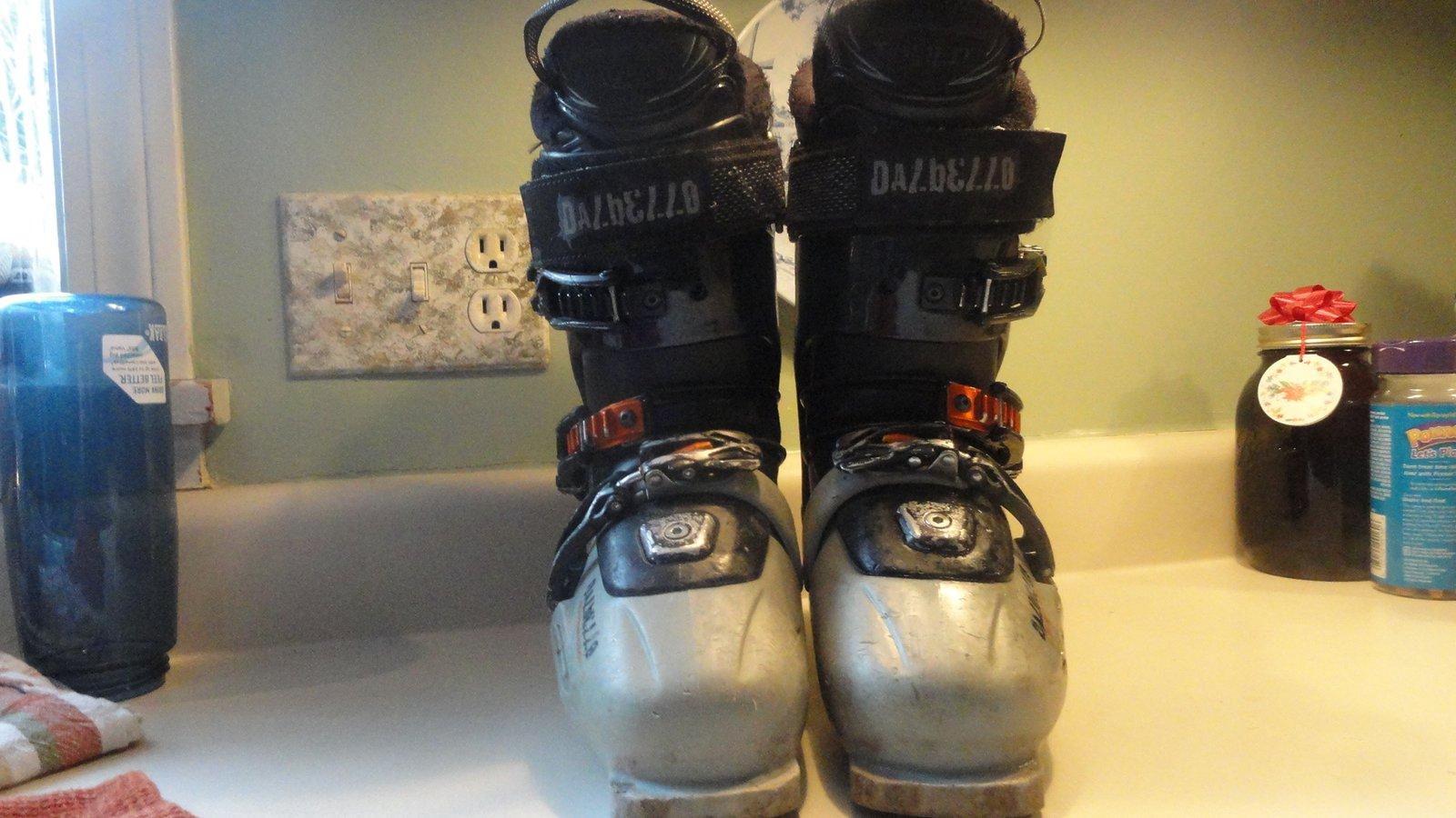 Dallbello ski boots