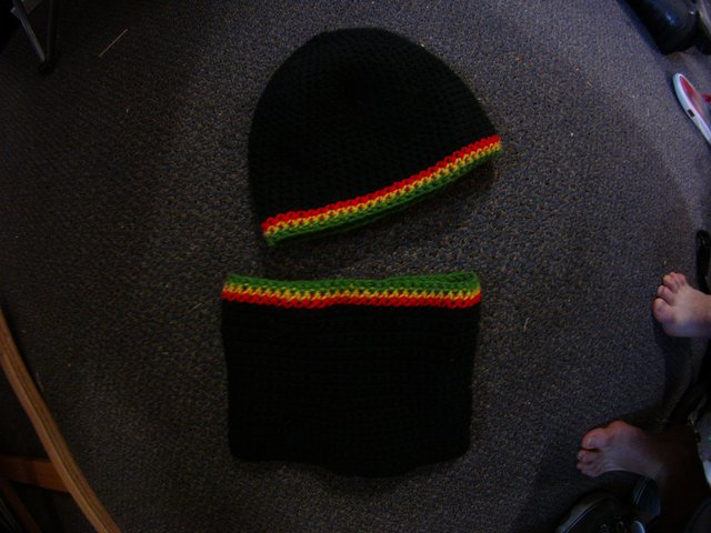 For SALE! Rasta hat/neck warmer