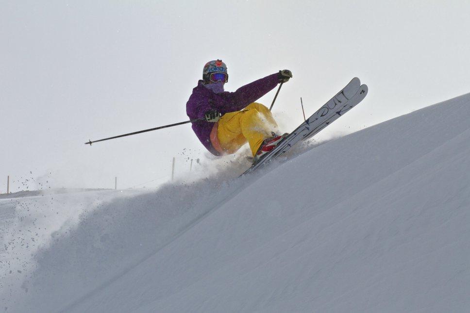 Skidding a small wind-lip