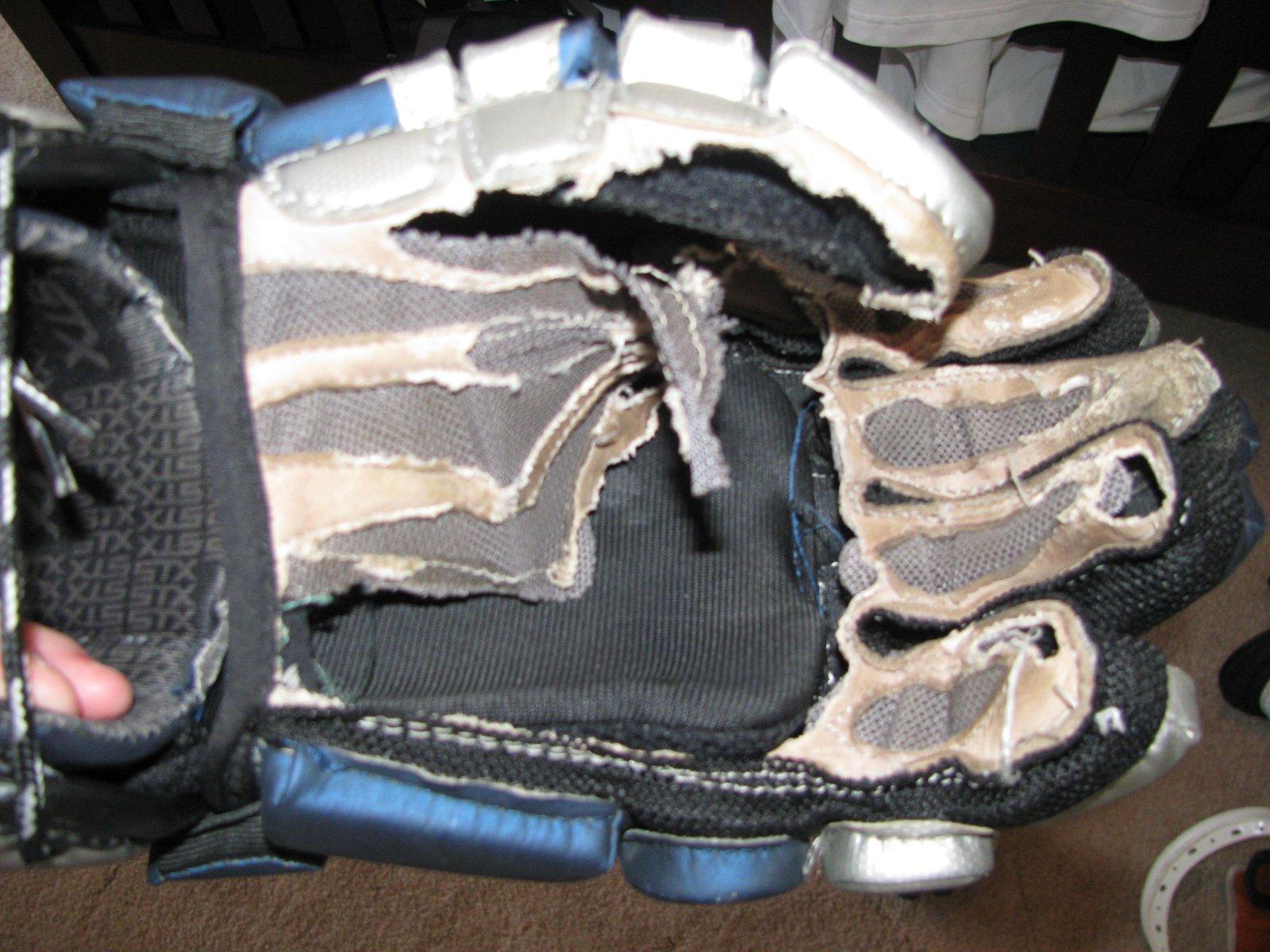 Damn mouse at 200$ gloves
