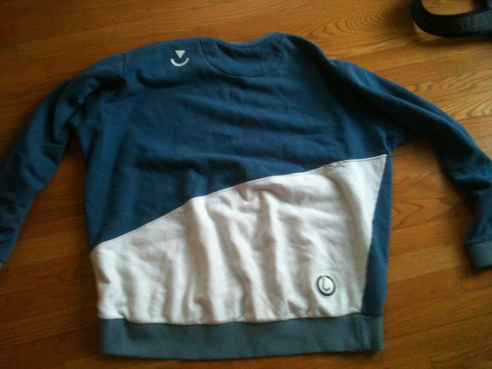 4xl 88 back blue (back)