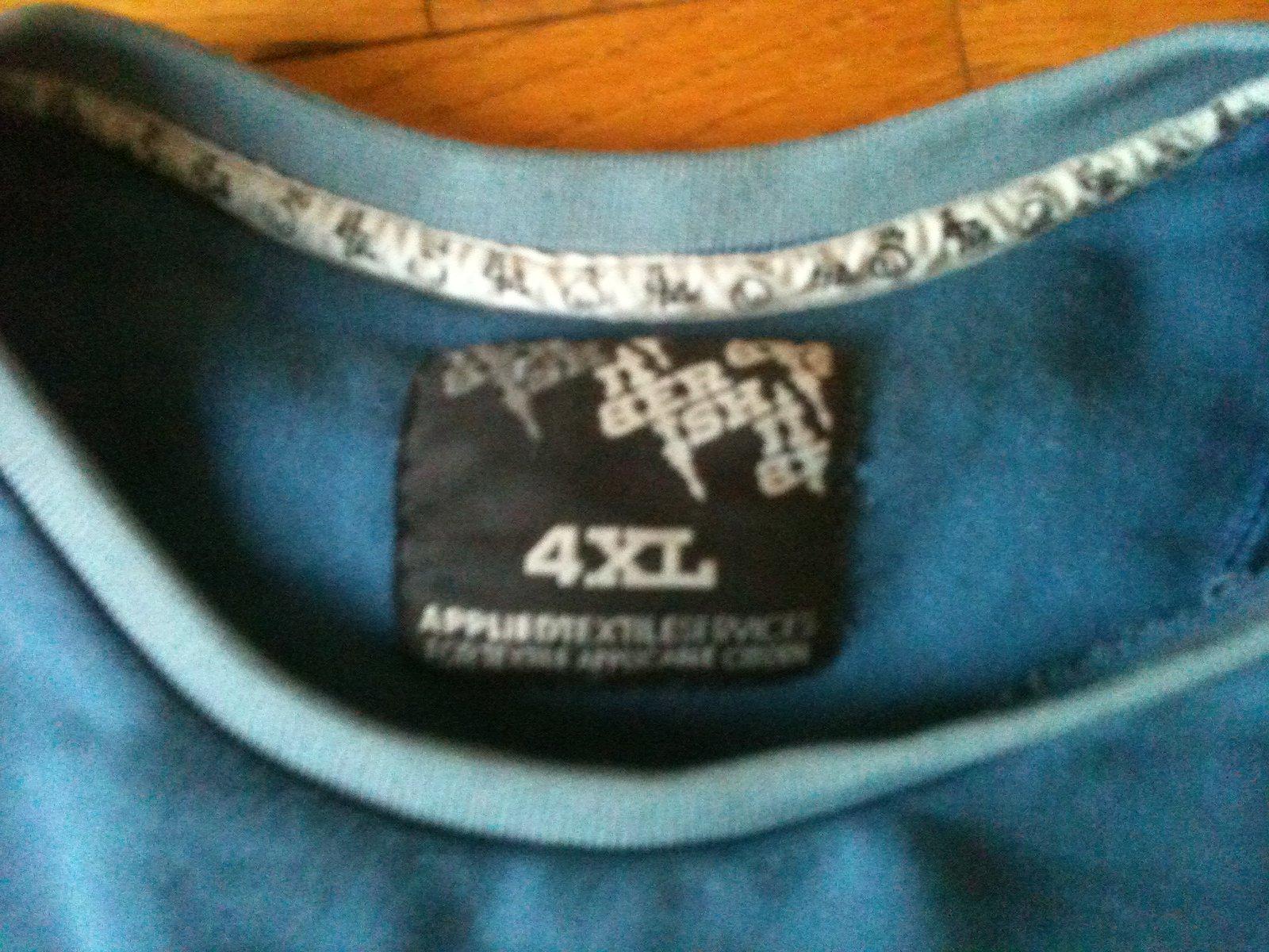 4xl 88 back blue