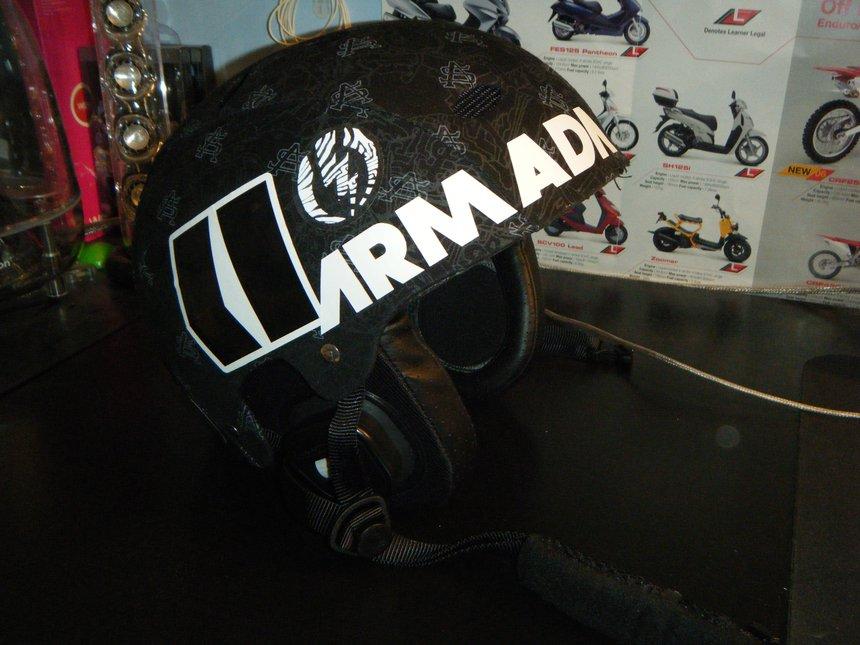 Helmet front-right