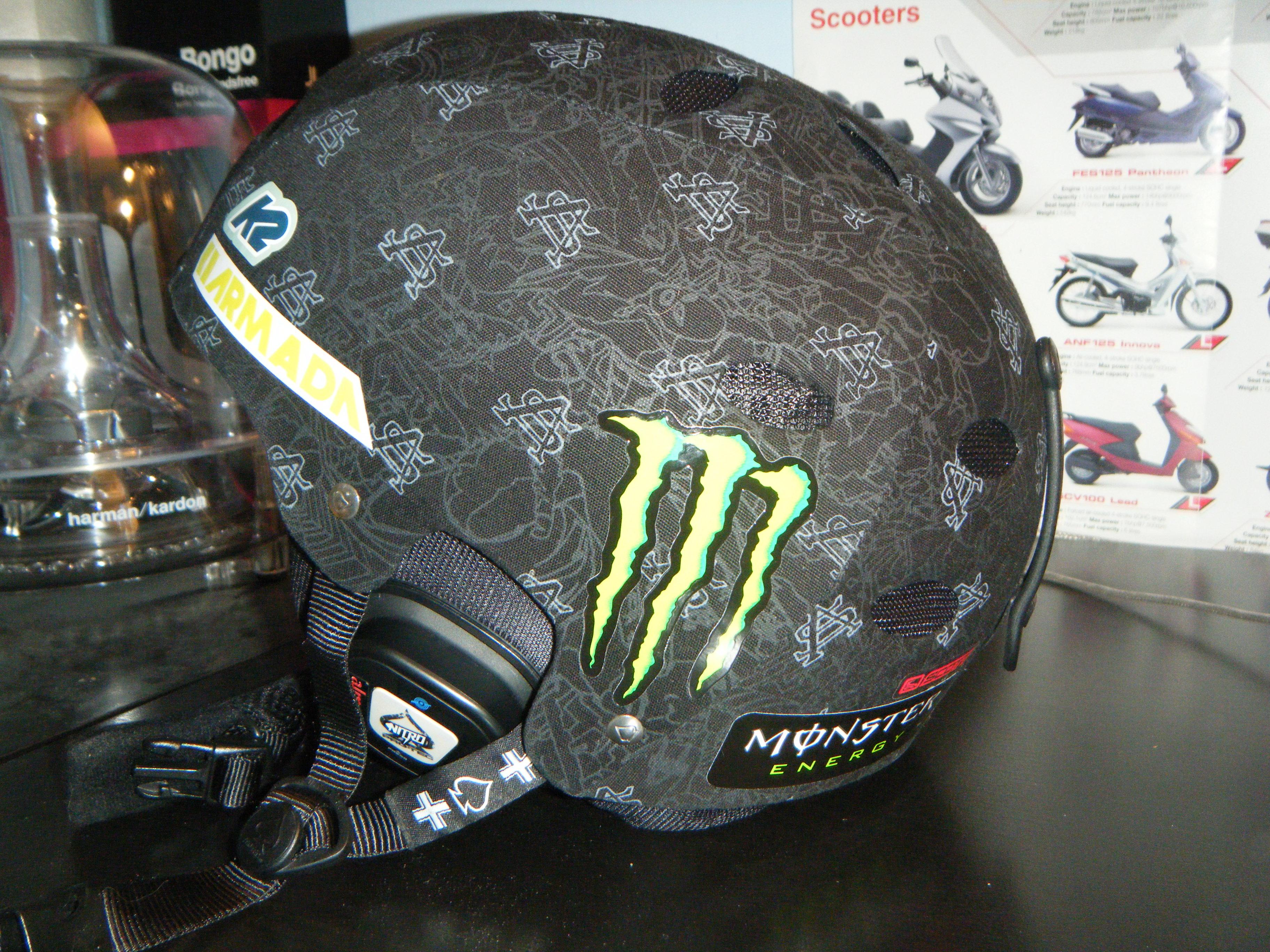 Helmet rear-right