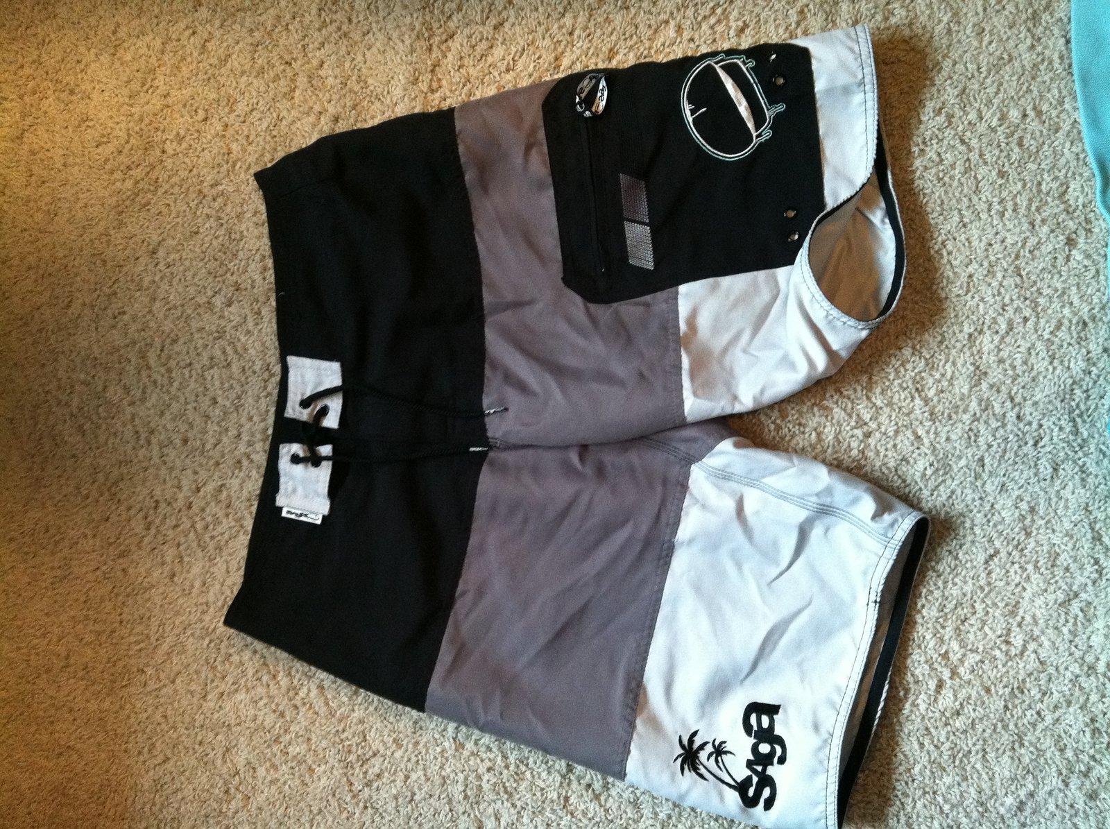 Saga Shorts 32 10/10 never worn