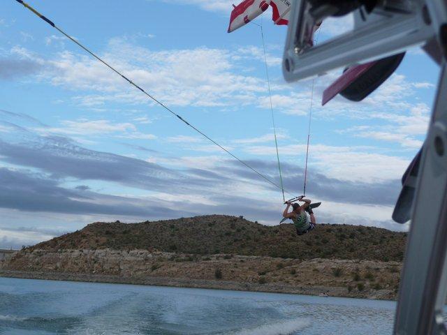 Wake kite