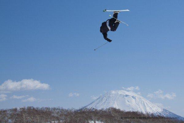 Yohei Sasaki with Mt. Yotei