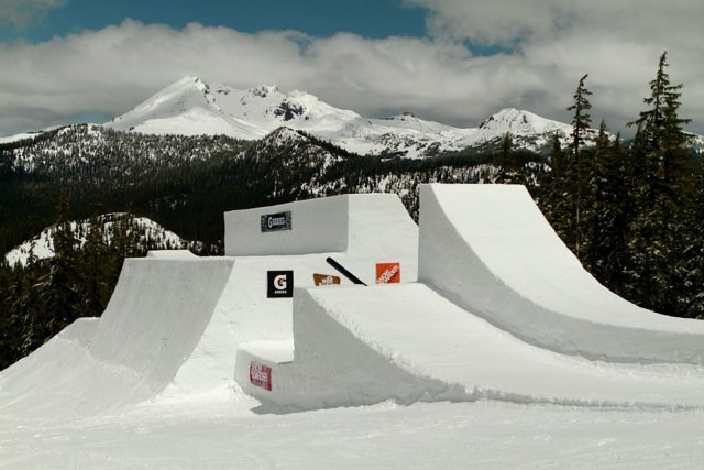 Snowboarder Superpark 15 Mt. Bachelor