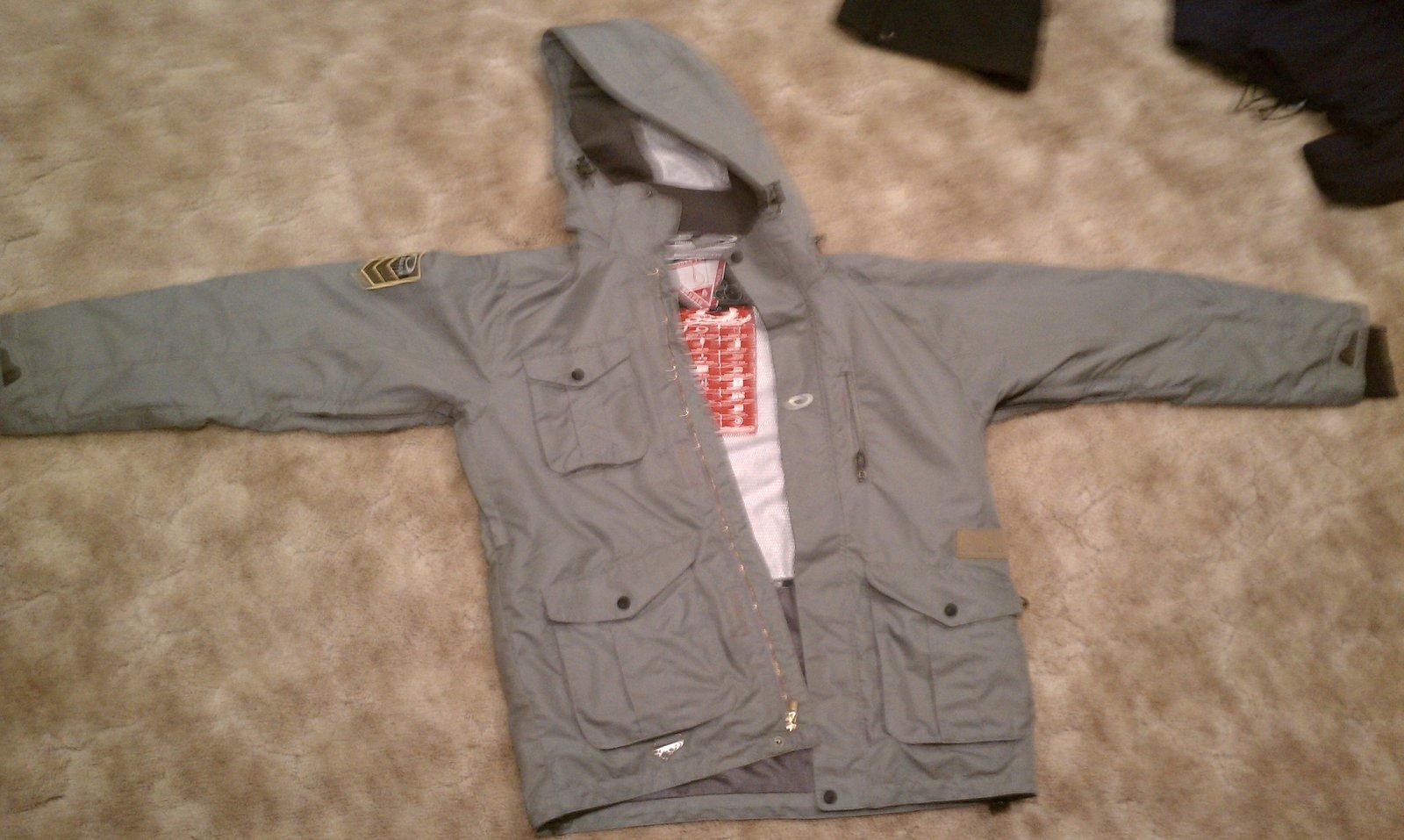 Oakley Hydrofuel Jacket