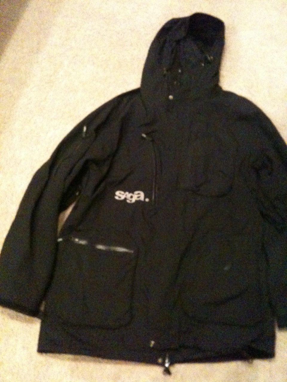 Black saga jacket
