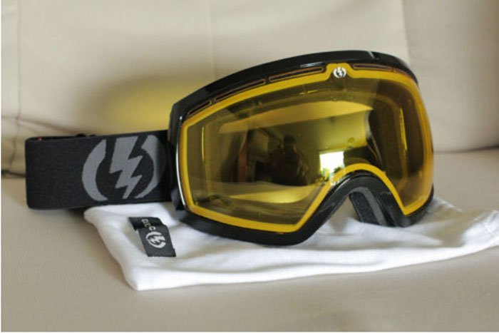 Electric EG2 goggles (Black w/ yellow lens)