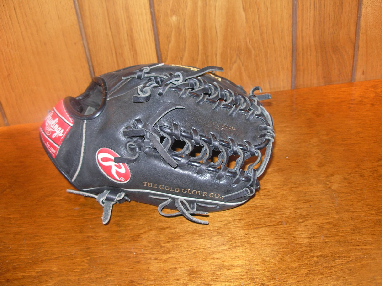 Glove for sell and trade