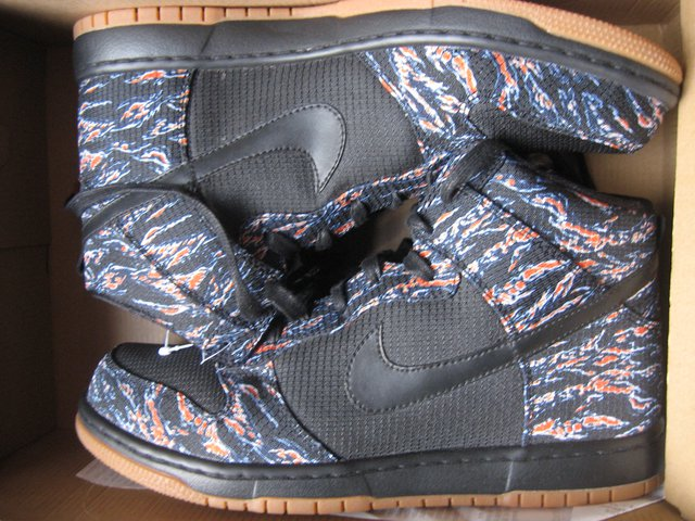 Nike zoom dunk hi supremes size 10 ds