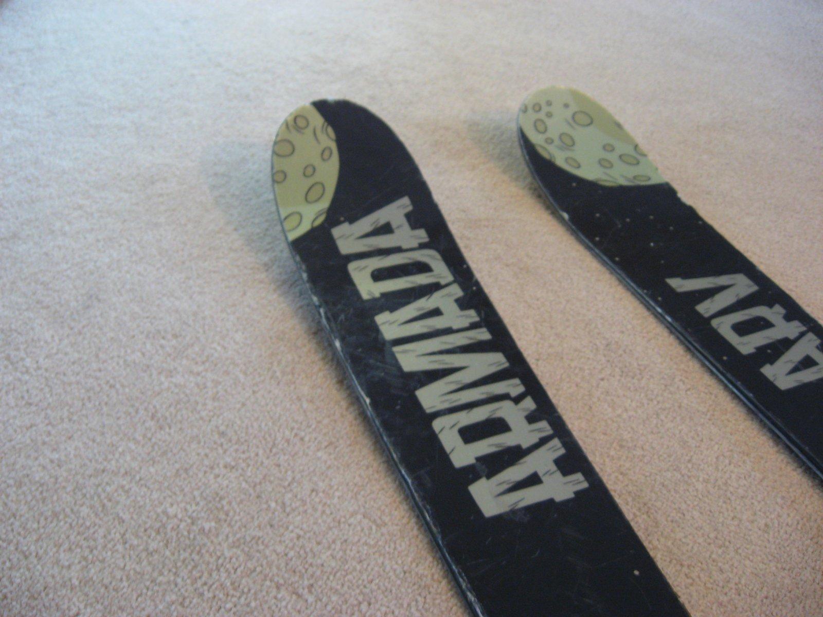 Tips...left ski is rockered