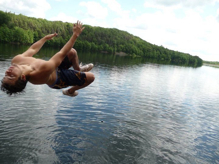 Me cliff jumping