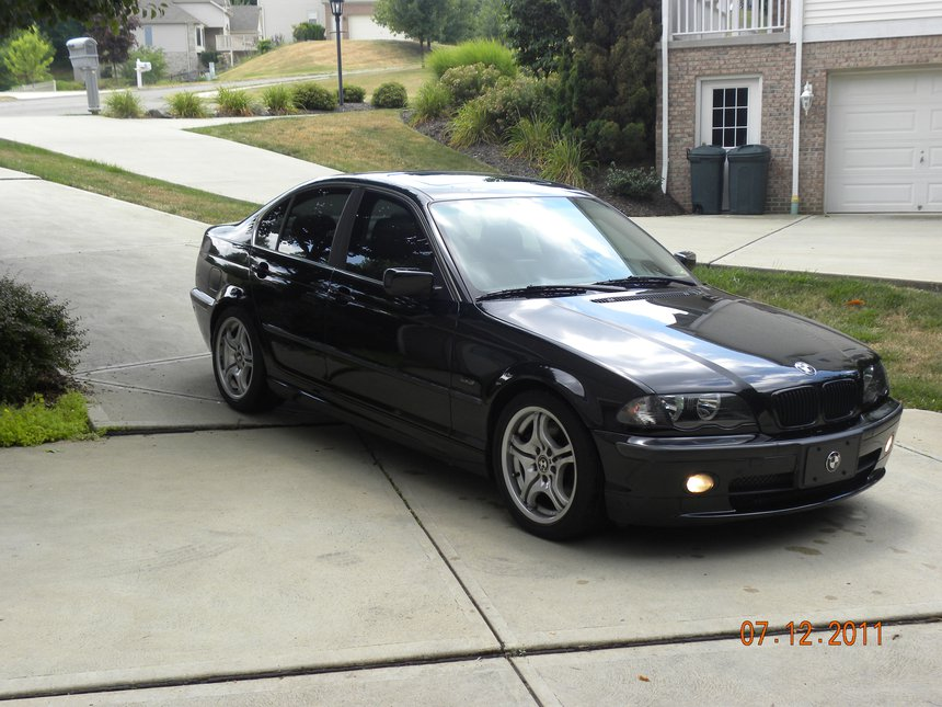 Mah car, before new rims