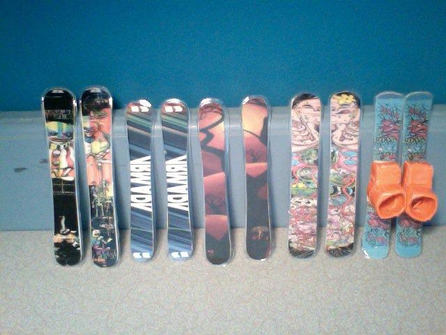 Finger skis