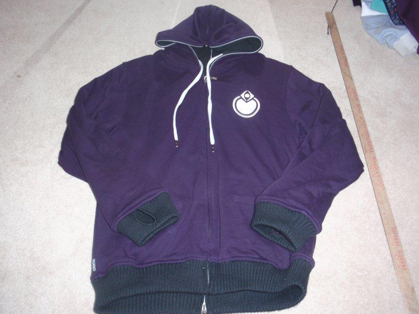 Nomis reversible hoodie 2