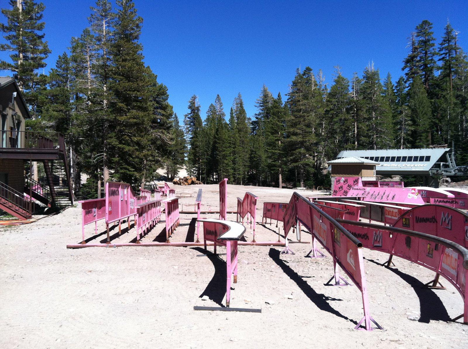 Mammoth jib yard