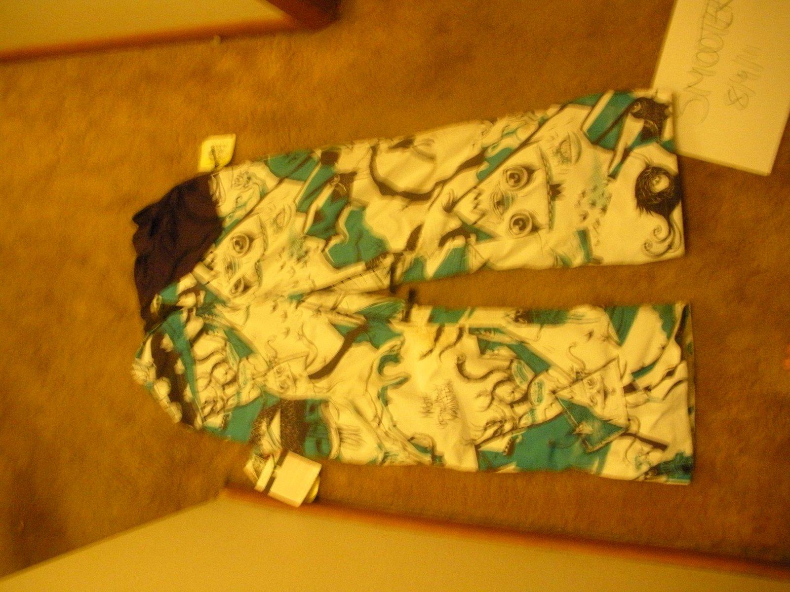 Magis pants for thread
