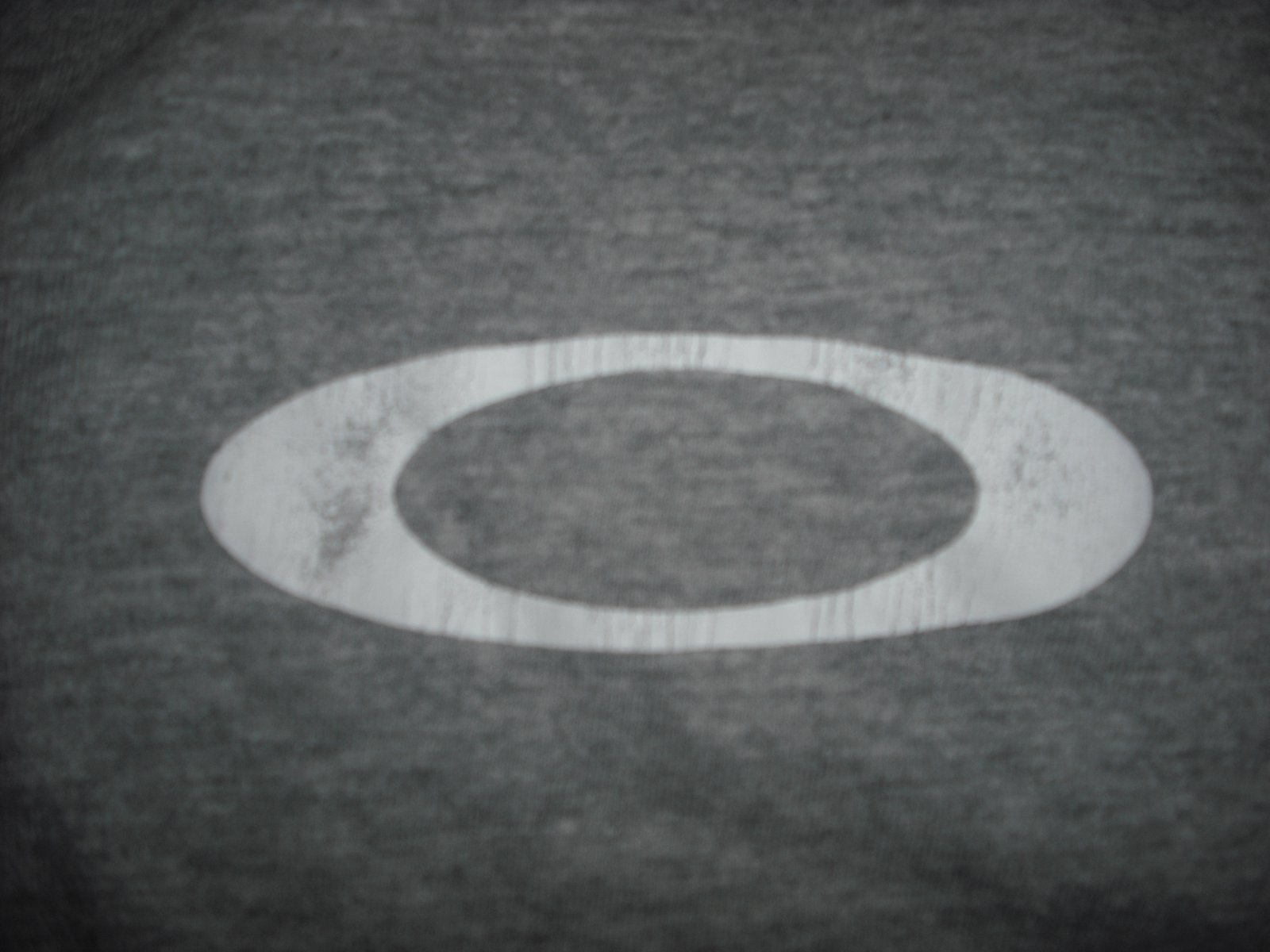 Cracking on the oakley logo