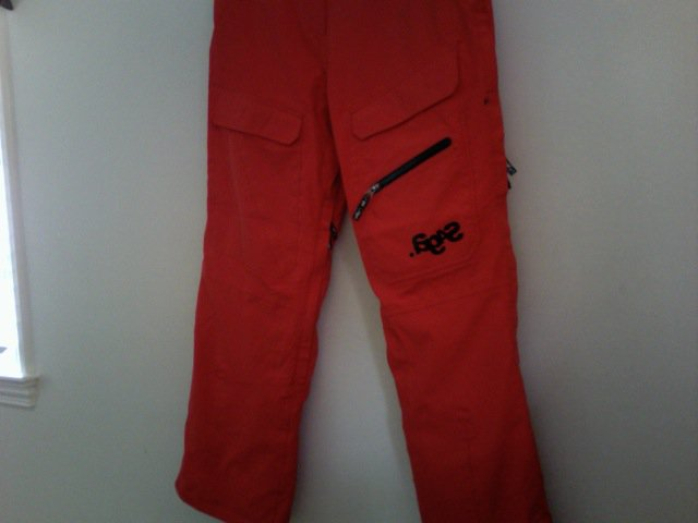 Front of saga anomie snow pants