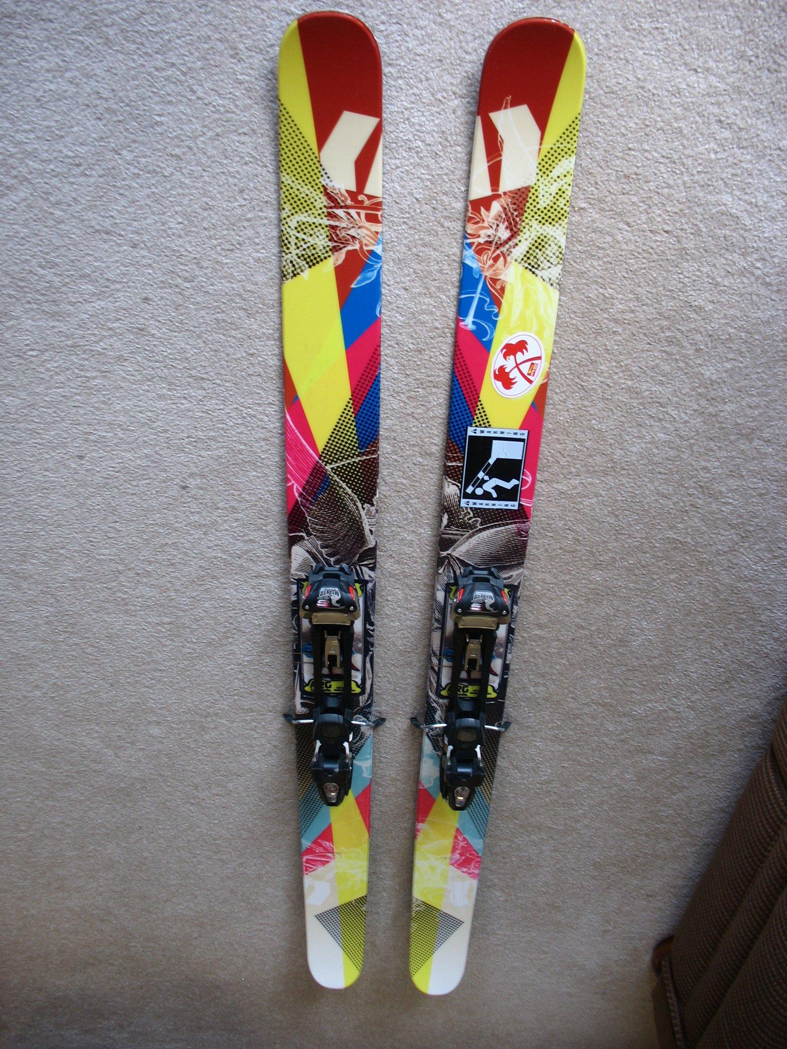 ARG skis