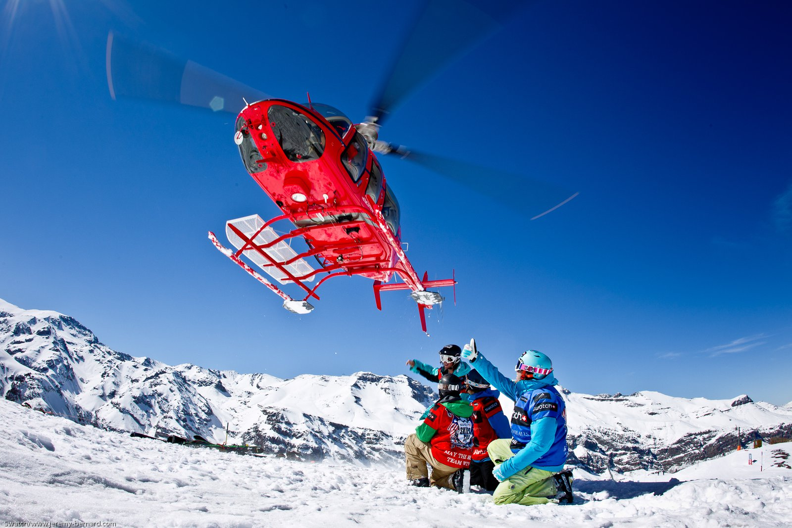 Heli pick-up at the Swatch Skiers Cup