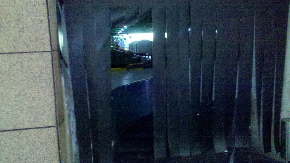 inside baggage claim belt