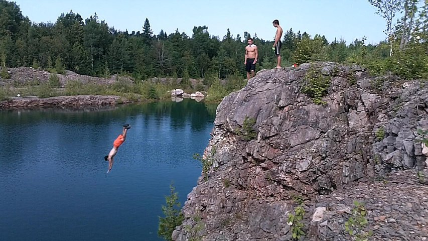 cliff lac bleu