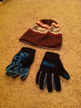 Level 1 Hat and dakine pipe gloves