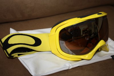 oakley elevate goggles 7xfx  FS: Oakley Elevate Goggles Canary Yellow w/ Black Iridum Lenses